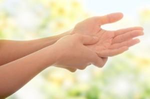 Що робити, коли німіє рука