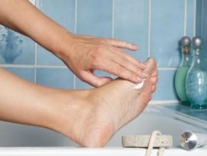 Мазь від грибка на ногах